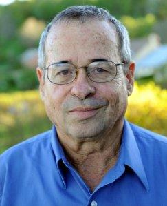 """פרופ' אריה ורשל, אחד מחתני פרס נובל בכימיה לשנת 2013, ישראלי שהיגר לארה""""ב"""