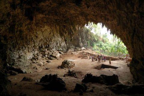 מערת ליאנג בואה, בה התגלו שרידי ההוביטים